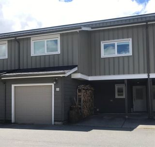 """Photo 1: 18 39752 GOVERNMENT Road in Squamish: Northyards Townhouse for sale in """"MOUNTAINVIEW MANR"""" : MLS®# R2593679"""