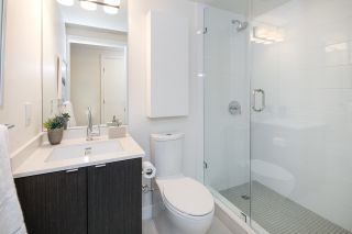"""Photo 14: 910 111 E 1ST Avenue in Vancouver: Mount Pleasant VE Condo for sale in """"Block 100"""" (Vancouver East)  : MLS®# R2125894"""