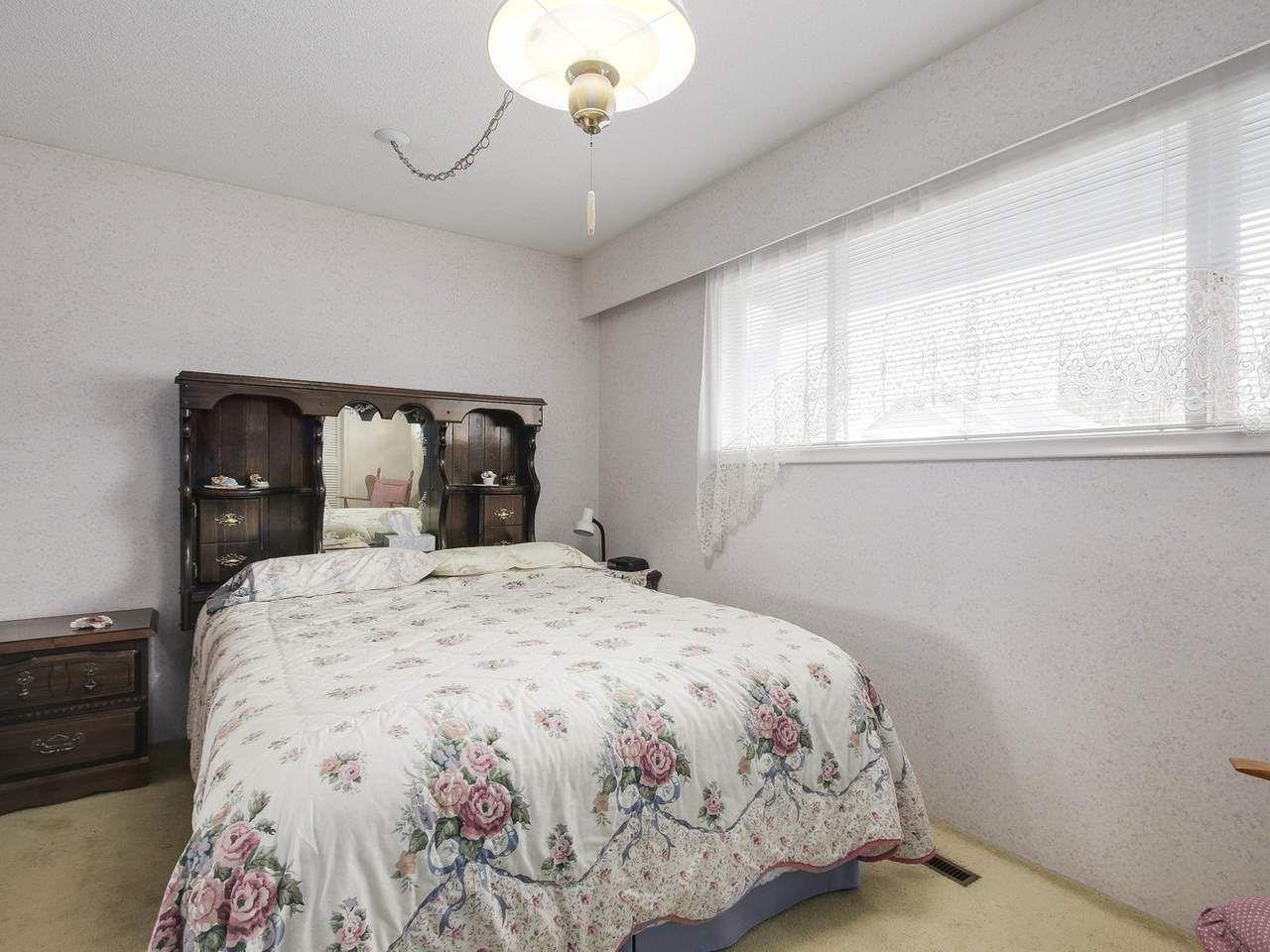 Photo 10: Photos: 1320 REGAN Avenue in Coquitlam: Central Coquitlam House for sale : MLS®# R2147096