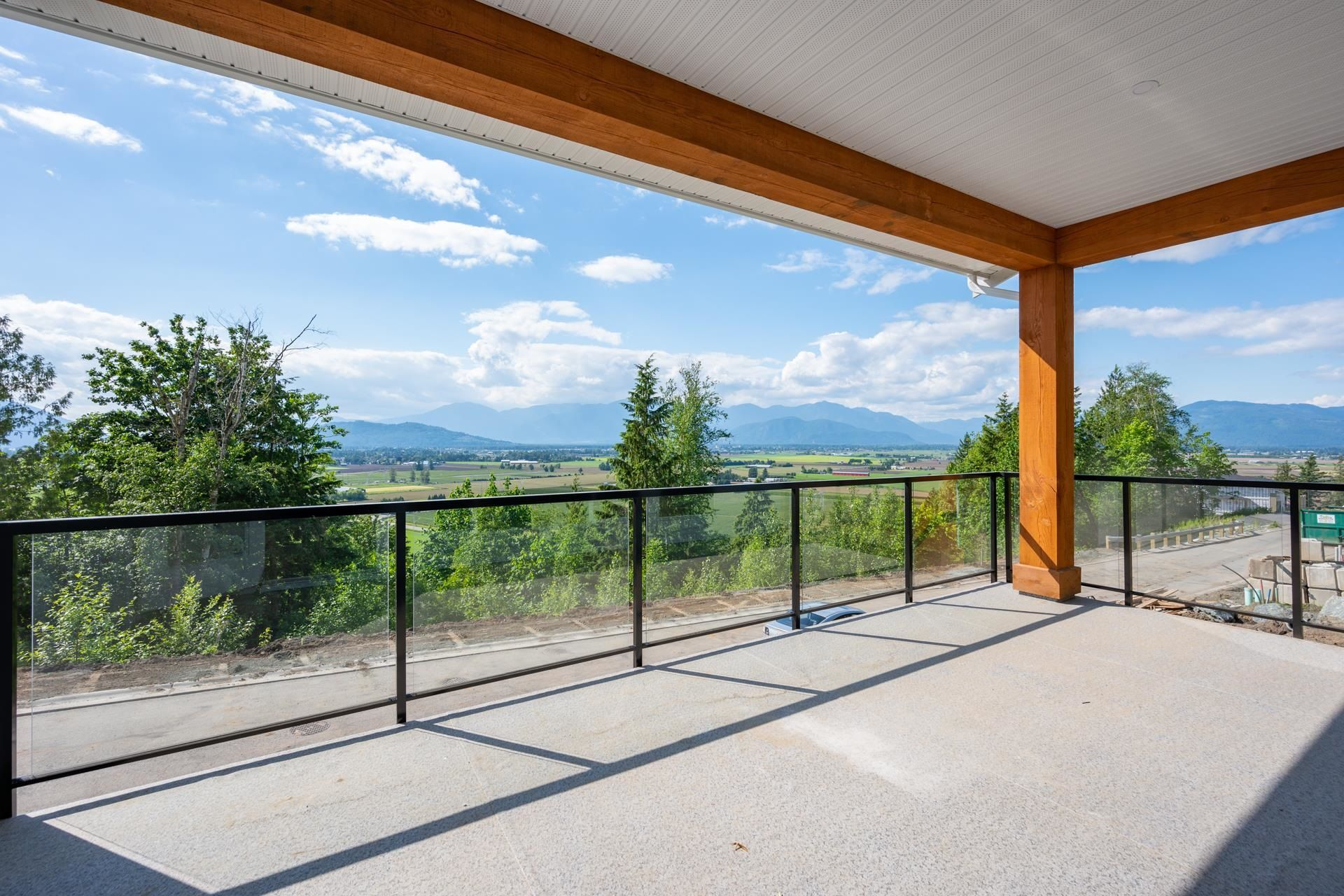 """Main Photo: 63 6262 REXFORD Drive in Sardis: Promontory House for sale in """"THE PERCH"""" : MLS®# R2613887"""
