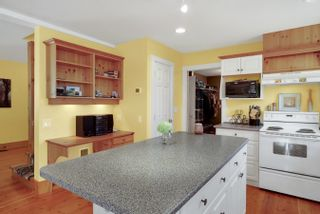 Photo 12: 31692 AMBERPOINT Place in Abbotsford: Abbotsford West House for sale : MLS®# R2609970
