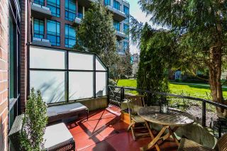 Photo 12: 111 10 RENAISSANCE SQUARE in New Westminster: Quay Condo for sale : MLS®# R2038572