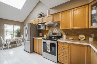"""Photo 11: 106 9045 WALNUT GROVE Drive in Langley: Walnut Grove Townhouse for sale in """"BRIDLEWOODS"""" : MLS®# R2573586"""