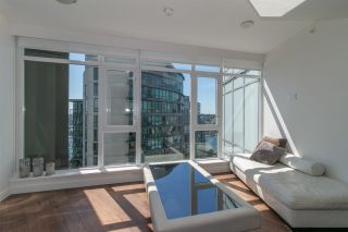 """Photo 3: 3107 1372 SEYMOUR Street in Vancouver: Downtown VW Condo for sale in """"THE MARK"""" (Vancouver West)  : MLS®# R2481345"""