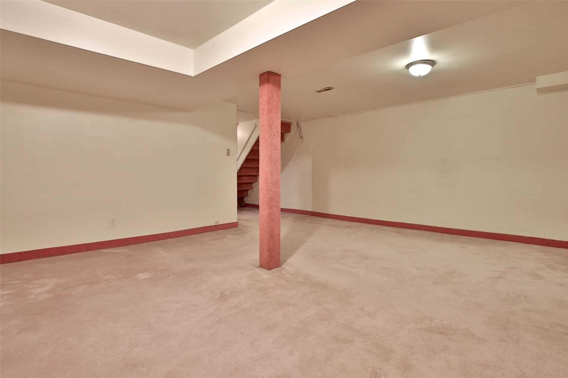 Photo 12: Photos: 8 695 Birchmount Road in Toronto: Kennedy Park Condo for sale (Toronto E04)  : MLS®# E4600623