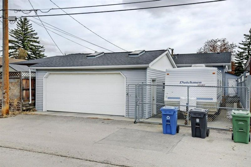 FEATURED LISTING: 3303 39 Street Southeast Calgary