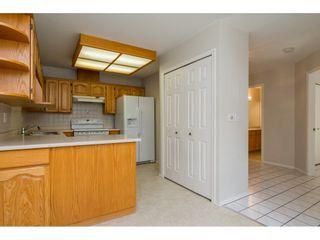 """Photo 7: 60 8889 212 Street in Langley: Walnut Grove Townhouse for sale in """"GARDEN TERRACE"""" : MLS®# R2213745"""