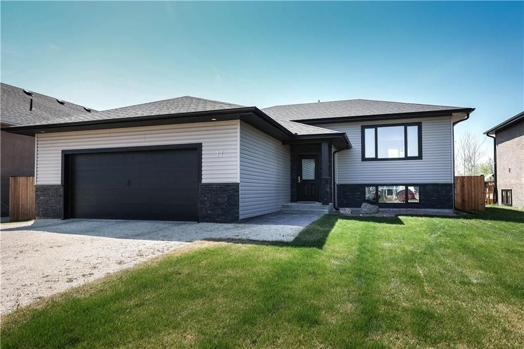 Main Photo: 17 Briarwood Avenue in Kleefeld: R16 Residential for sale : MLS®# 202111236