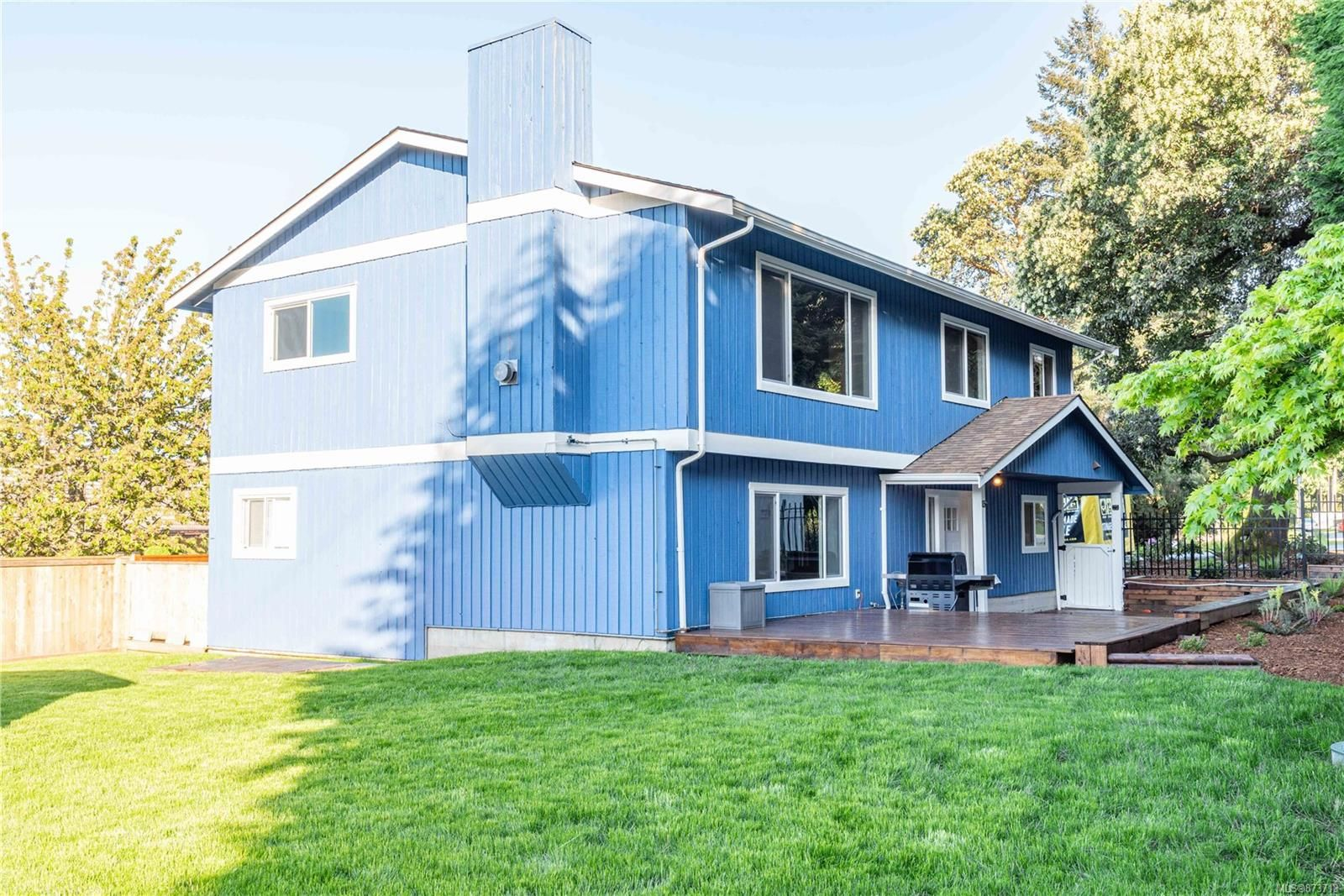 Main Photo: 798 Cecil Blogg Dr in : Co Triangle House for sale (Colwood)  : MLS®# 873713