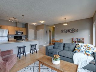 Photo 2: 302 2747 Jacklin Rd in Langford: La Langford Proper Condo for sale : MLS®# 840757