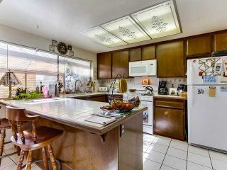 Photo 6: SOUTH ESCONDIDO House for sale : 3 bedrooms : 869 Montview Drive in Escondido