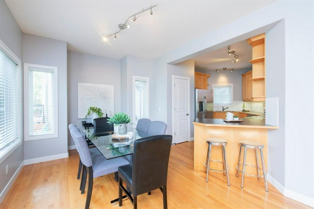Photo 10: Photos: 32 Prominence Park SW in Calgary: Patterson Row/Townhouse for sale : MLS®# A1112438