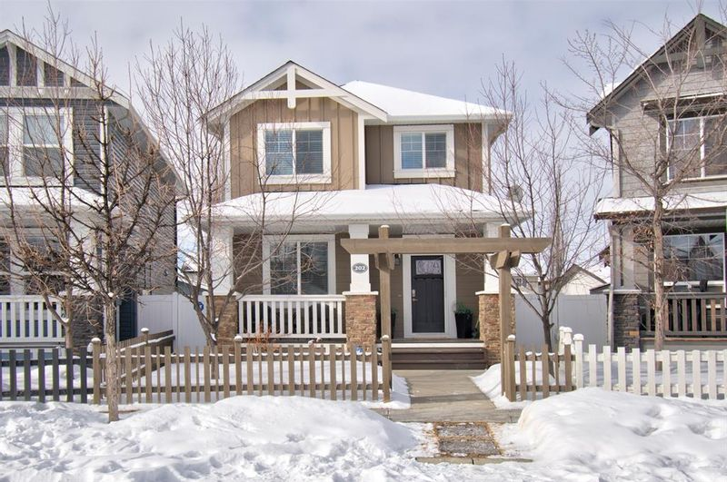 FEATURED LISTING: 202 Williamstown Close Northwest Airdrie