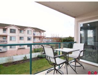 """Photo 10: 311 20453 53RD Avenue in Langley: Langley City Condo for sale in """"Countryside Estates"""" : MLS®# F2806440"""