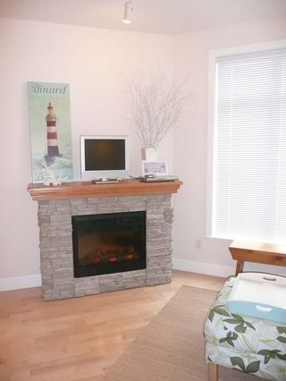 Photo 4: 209 4211 Bayview Street in Richmond: Home for sale