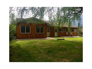 "Photo 2: 38882 GARIBALDI Avenue in Squamish: Dentville Duplex for sale in ""Dentville"" : MLS®# R2494577"