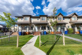Photo 1: 202 Maningas Bend in Saskatoon: Evergreen Residential for sale : MLS®# SK870482
