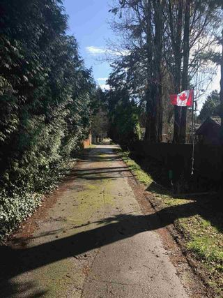 """Photo 4: 2624 127 Avenue in Surrey: Crescent Bch Ocean Pk. House for sale in """"Crescent Heights"""" (South Surrey White Rock)  : MLS®# R2154999"""