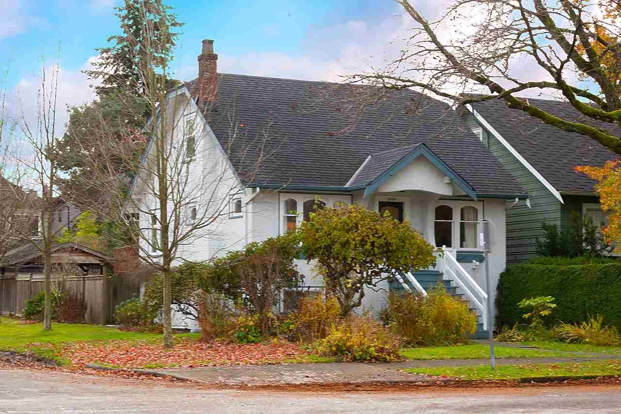 Main Photo: 3004 W 14TH AVENUE in Vancouver: Kitsilano House for sale (Vancouver West)  : MLS®# R2519953