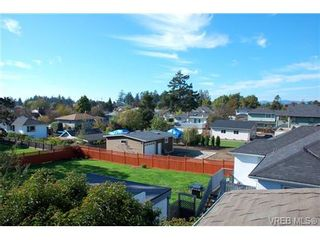 Photo 10: 1153 Lyall St in VICTORIA: Es Saxe Point House for sale (Esquimalt)  : MLS®# 662849