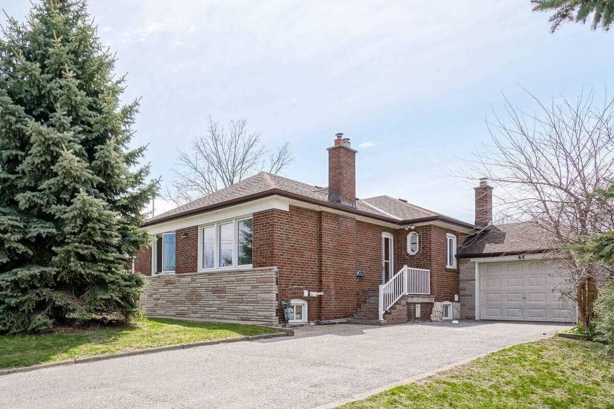 Main Photo: Main 44 Armitage Drive in Toronto: Wexford-Maryvale House (Bungalow) for lease (Toronto E04)  : MLS®# E5209090