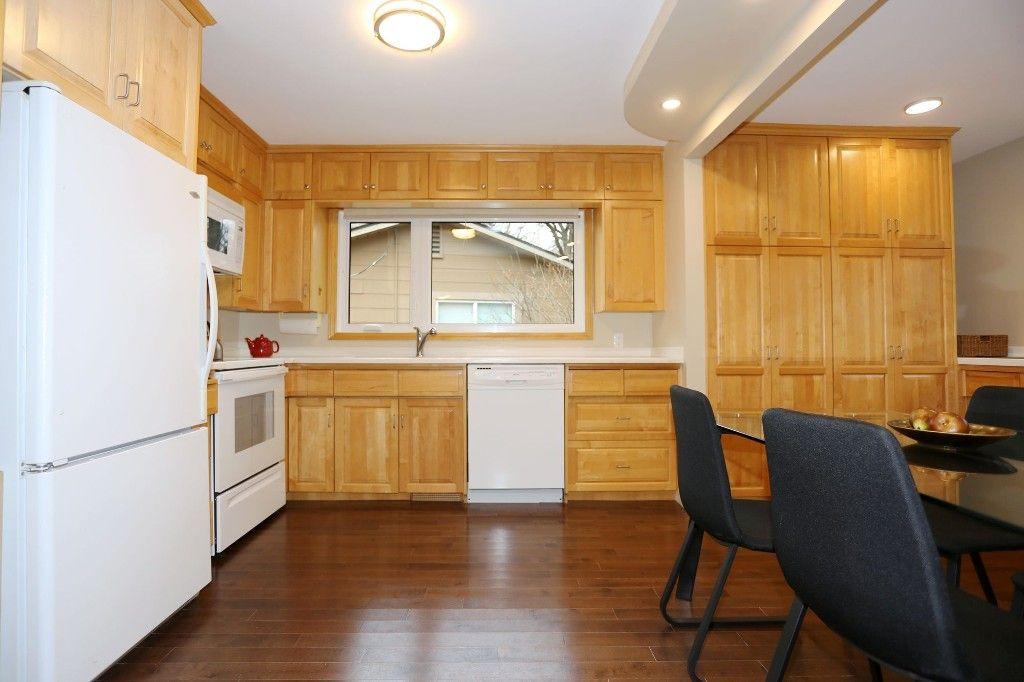 Photo 10: Photos: 306 Wildwood Park in Winnipeg: Wildwood Single Family Detached for sale (1J)  : MLS®# 1728410