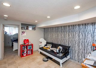 Photo 17: 3712A 41 Street SW in Calgary: Glenbrook Semi Detached for sale : MLS®# A1100932