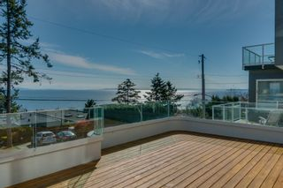 "Photo 42: 14837 PROSPECT Avenue: White Rock House for sale in ""WHITE ROCK"" (South Surrey White Rock)  : MLS®# R2365629"