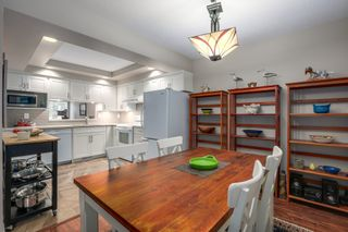 """Photo 3: 30 5111 MAPLE Road in Richmond: Lackner Townhouse for sale in """"MONTEGO WEST"""" : MLS®# R2221338"""