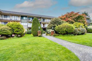 """Main Photo: 202 155 E 5 Street in North Vancouver: Lower Lonsdale Condo for sale in """"WINCHESTER ESTATES"""" : MLS®# R2626322"""