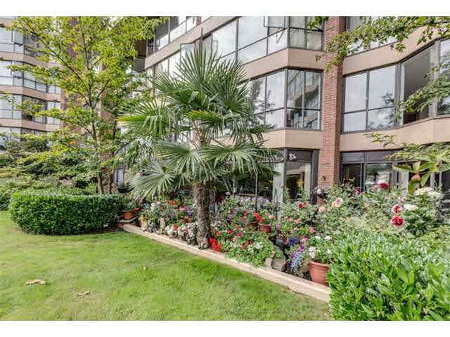 """Photo 2: Photos: G02 1470 PENNYFARTHING Drive in Vancouver: False Creek Condo for sale in """"Harbour Cove"""" (Vancouver West)  : MLS®# V1081390"""