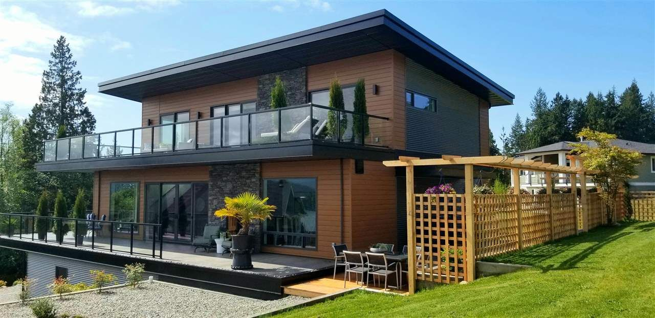 Main Photo: Home For Sale - Sunshine Coast - Gibsons, BC