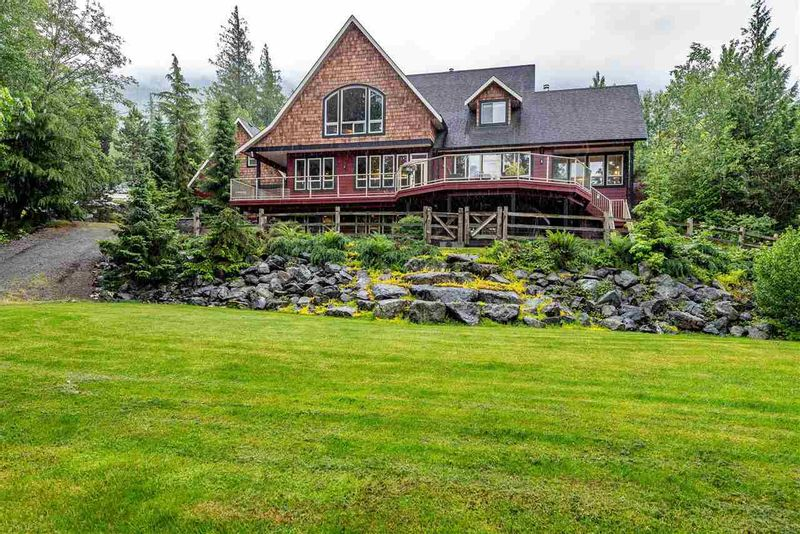FEATURED LISTING: 42440 HIGHLAND Drive Yarrow