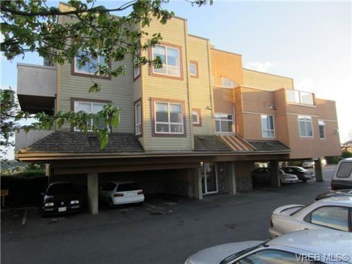 Main Photo: 102 7843 East Saanich Rd in SAANICHTON: CS Saanichton Condo for sale (Central Saanich)  : MLS®# 700398