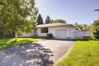 Photo 2: 29 Grafton Crescent SW in Calgary: Glamorgan Detached for sale : MLS®# A1076530