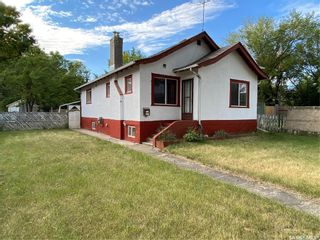 Photo 1: 827 Idylwyld Drive North in Saskatoon: Caswell Hill Residential for sale : MLS®# SK845774