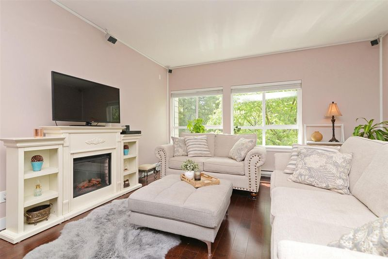 FEATURED LISTING: 305 - 2664 KINGSWAY Avenue Port Coquitlam