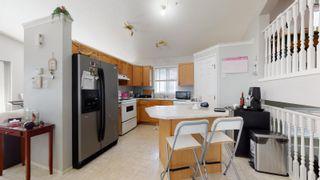 Photo 2: 2908 31 Street in Edmonton: Zone 30 House for sale : MLS®# E4261905