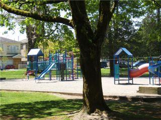 "Photo 6: 945 E 21ST Avenue in Vancouver: Fraser VE House for sale in ""FRASER"" (Vancouver East)  : MLS®# V889920"