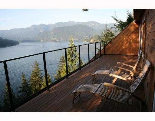 Main Photo: 4720 EASTRIDGE Road in North Vancouver: Deep Cove House for sale : MLS®# V748012