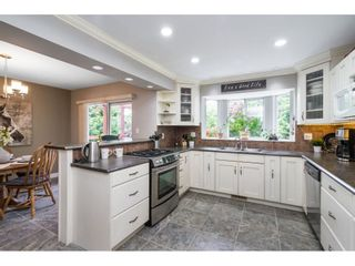 """Photo 10: 21387 87B Avenue in Langley: Walnut Grove House for sale in """"Forest Hills"""" : MLS®# R2585075"""