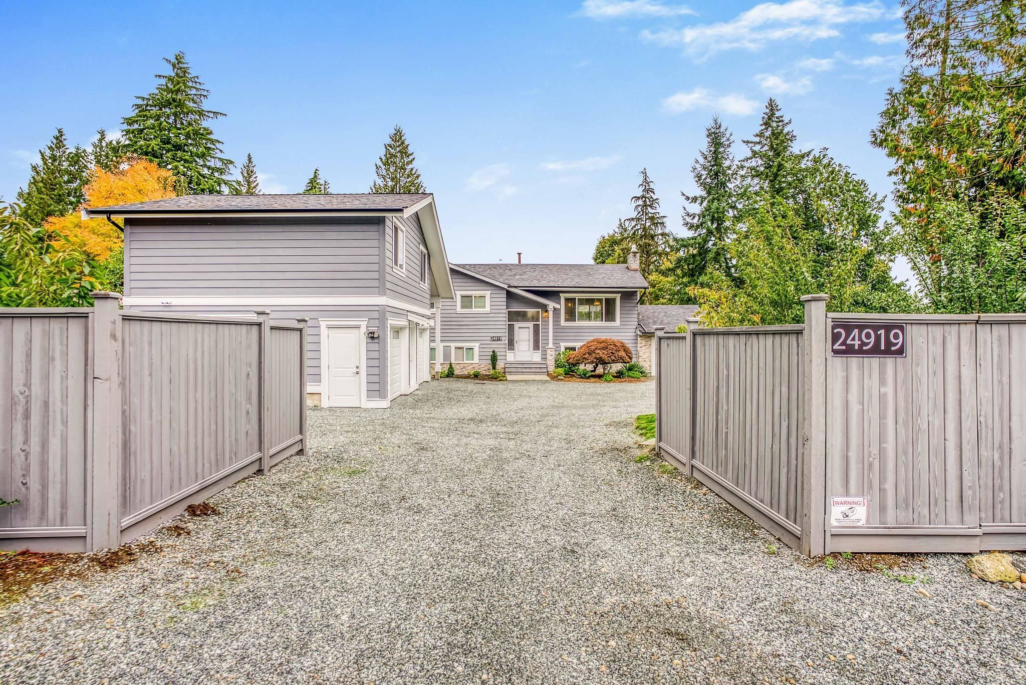 Main Photo: 24919 40 Avenue in Langley: Salmon River House for sale : MLS®# R2624201