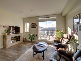 """Photo 4: 5980 OLDMILL Lane in Sechelt: Sechelt District Townhouse for sale in """"Edgewater"""" (Sunshine Coast)  : MLS®# R2243724"""