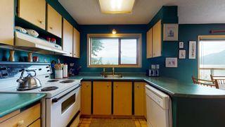 Photo 12: 7035 PORPOISE Drive in Sechelt: Sechelt District House for sale (Sunshine Coast)  : MLS®# R2621611