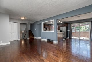 Photo 3: 217 Westminster Drive SW in Calgary: Westgate Detached for sale : MLS®# A1128957