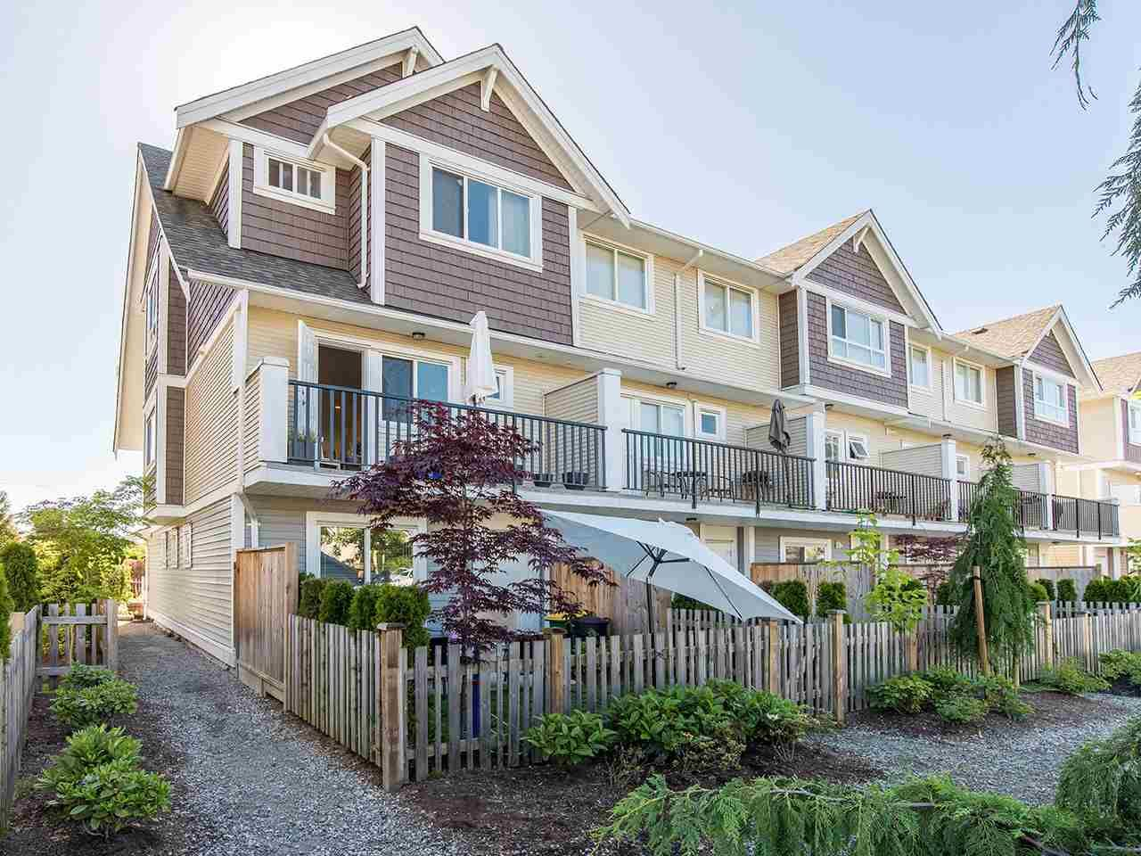 """Main Photo: 16 7298 199A Street in Langley: Willoughby Heights Townhouse for sale in """"YORK"""" : MLS®# R2068285"""