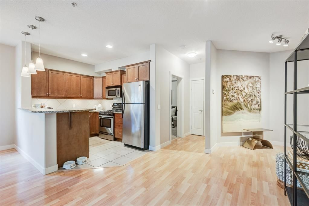 Photo 7: Photos: 102 509 21 Avenue SW in Calgary: Cliff Bungalow Apartment for sale : MLS®# A1100850