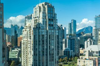 """Photo 25: 2205 388 DRAKE Street in Vancouver: Yaletown Condo for sale in """"Governor's Tower"""" (Vancouver West)  : MLS®# R2619698"""