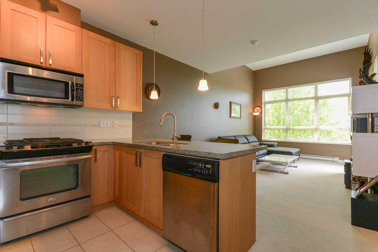 """Photo 4: Photos: 405 15988 26 Avenue in Surrey: Grandview Surrey Condo for sale in """"THE MORGAN"""" (South Surrey White Rock)  : MLS®# R2276141"""