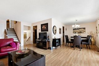 Photo 5: 7 Woodmont Rise SW in Calgary: Woodbine Detached for sale : MLS®# A1092046